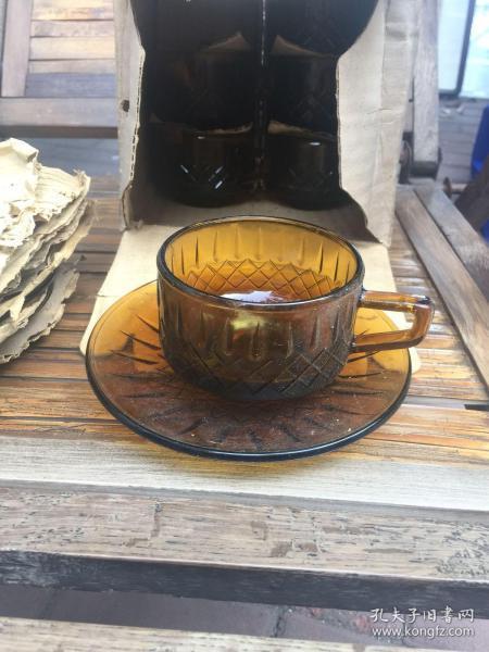 老玻璃杯 茶色玻璃咖啡杯 经典怀旧 成色尺寸如图 (有六套)库存货未使用过的