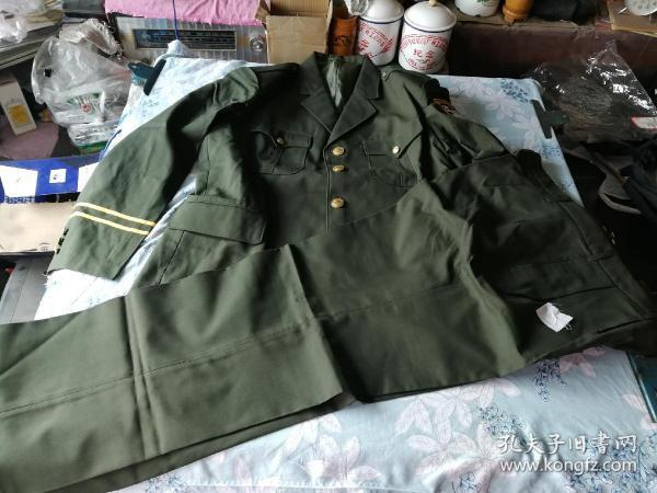 3号4型制服一套