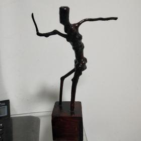 根雕摆件根艺术奇特造型体育健将酷似田径运动乒乓球比赛奔跑的男人运动员