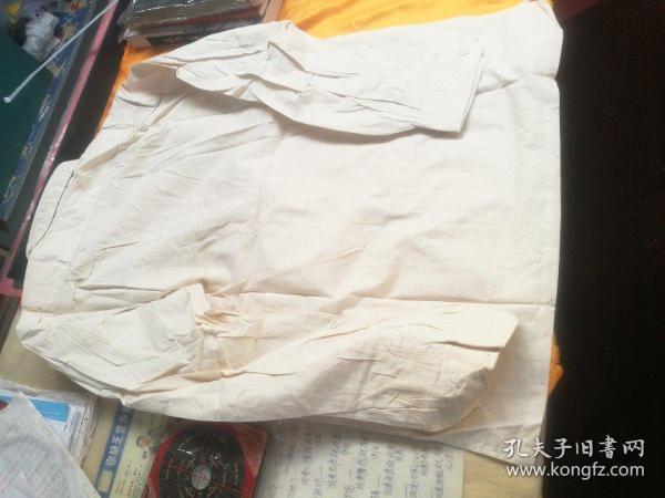 早期的陆军干部全新的棉衬衣一件,2号,品相如图所示
