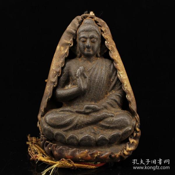 西藏寺院收老藏传纯手工寒铁打造包牛皮套释迦摩尼佛祖一尊