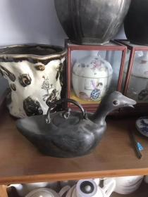 清代公顺长记款锡点铜精品酒壶!造型相当独特少见!皮壳包浆一流!收藏价值很高!喜欢的朋友赶紧联系!