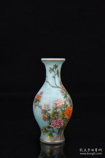 清代:【老琉璃花卉纹赏瓶】