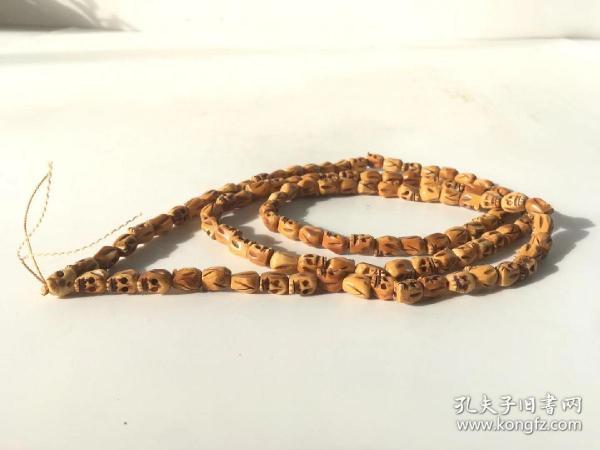 虎骨108颗辟邪藏传佛珠雕刻精美,包浆好,油腻感重,手感佳,品相一流,无磕碰损坏,珠子无杂裂