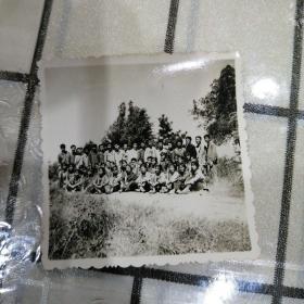 民兵训练后合影照片(持枪)