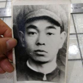 男子照片(戴帽子)