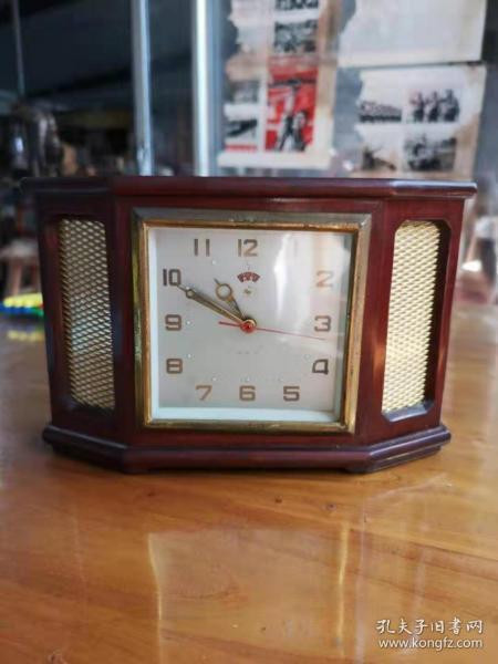 文革时期小座钟,完好无损正常使用