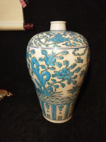 孔雀蓝釉梅瓶