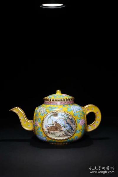 【清乾隆:铜胎画珐琅花纹茶壶】
