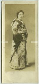 民国时期日本服年轻漂亮女子肖像老照片B,泛银