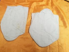 A pair of cold-proof and warm cotton socks spared by the wealthy in the early days. The real objects in the picture shall prevail.