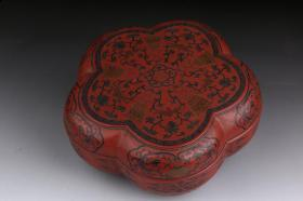 "Qing dynasty: ""Daqing Yongzheng New Year"" style large lacquered red ground shoufeng phoenix flower box"