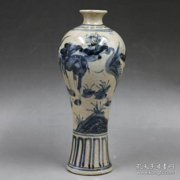 GY02 Yuan blue and white flower and bird plum bottle hand-painted old goods porcelain antique