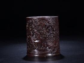 Qianlong Style · Character Pen Holder Size: 17cm high 14.6 × 13.6cm weight 580g. Brief introduction: The texture is fine, the paste is thick, pure spice, the taste is fragrant, the oiliness is very good, the skin is old and spicy. The body sculpts the story map of the character, using relief deep carving and other techniques, ghost axe magical workmanship, exquisite skills, post-carving poems, complete preservation, rare, high collection value