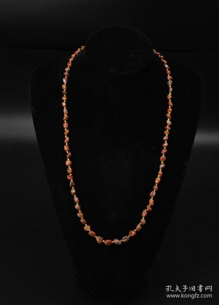 """(V5202) A piece of """"Mongolian Agate Necklace"""" with a gentle touch and moist color. Single agate size: 6.4mm. Necklace circumference is about 68cm. Total weight: 31.52 grams."""