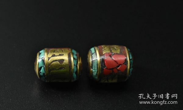 """(V + 2399) """"Buddhism Jewelry"""" a pair of pure copper weight: 5.77 grams. Single size: 13.3 * 11.3 * 11.3mm Produced in Nepal Can be used as jewelry bracelet accessories."""