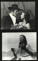 七十--九十年代的电影剧照(黑白照片,规格约15*12厘米)--红帆(一套4张)