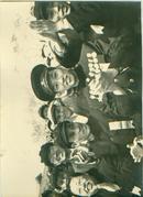 新华社展览图片[50年代]英雄战士欢度节日 宽 25cm长16cm
