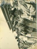 新华社展览图片[50年代]党政军各界人士欢度节日 宽 25cm长16cm