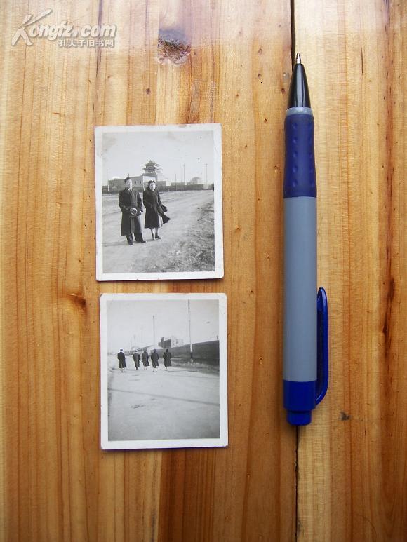 民国风景建筑人物老照片2张   地点象是抗战期间西南某大学