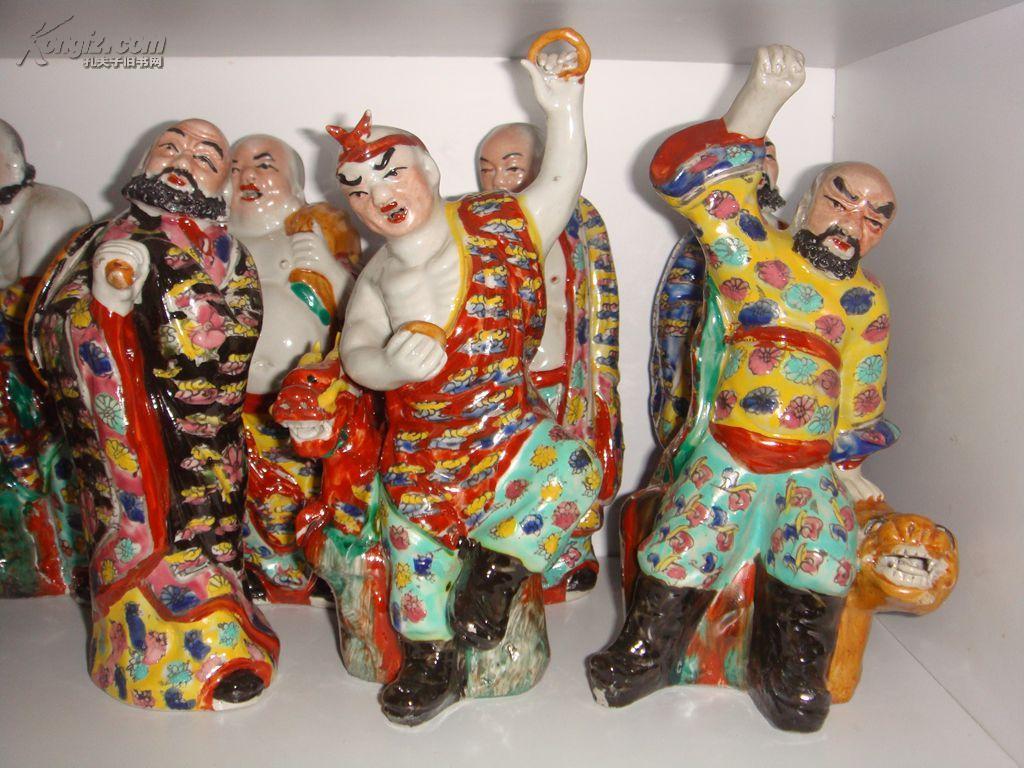 福建会馆重彩陶瓷雕塑十八罗汉