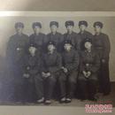 原版老照片`五角星军帽军人`10人集体合影`10.8*8
