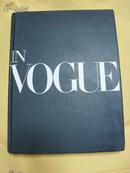 英文原版   In Vogue: An Illustrated History of the World's Most Famous Fashion Magazine by Alberto Oliva