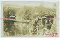 民国侵华日军中的侦查通信兵老照片--他们为炮兵定位对手的坐标,是炮兵之眼。14X8.8厘米