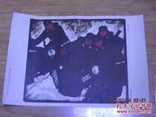 1964年 8开 【雪地训练---木刻套色版画---马庆廉作】 道林纸