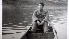 老照片,夕阳下,坐在船上,在湖里6