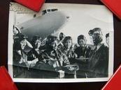 文革老照片《女飞行员》