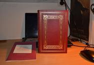 STORIES OF THREE CONTINENTS《三大洲的故事》海明威,富兰克林1979年真皮精装限量版 三面刷金 英文原版, 附带小册子 现货包邮