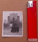 文革时期, 五位大帅哥在毛主席去安源宣传画前面合影的照片一张