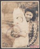 民国老照片,幸福的母子,七八十年前的灿烂笑容