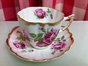 英格兰Victoria骨瓷(bone china)杯子和碟子,制作编号490