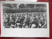 11100;文革老照片;许世友等部队领导参加节日群众活动。