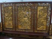 黄杨木屏风【一面镂雕一面浮雕】存手工雕刻,高2米。长3.5米。百鸟朝凤吉祥图案。