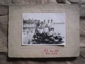 1961年在南京玄武湖留念拍的照片