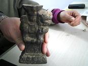 宋元时期:黑陶狮身烛台 (/包真包老)