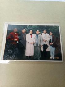 老照片:于1993年11月6日 黎泽重.李纳(毛泽东的女儿) 刘思齐(毛岸英的妻子) 张玉凤(毛泽东晚年秘书)在蓉园合影