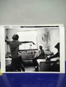 5沂蒙山区孤儿调查原创黑白照。大尺寸。作者。中国摄影协会会员。王守卫