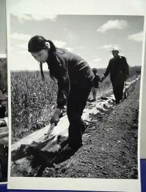 6沂蒙山区孤儿调查原创黑白照。大尺寸。作者。中国摄影协会会员。王守卫