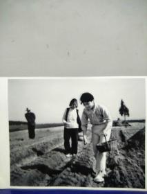 14沂蒙山区孤儿调查原创黑白照。大尺寸。作者。中国摄影协会会员。王守卫