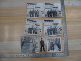 老照片---七十年代泰山岱宗坊合影照及泰山汉柏单人照等7张合售