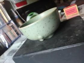 青釉茶杯一只
