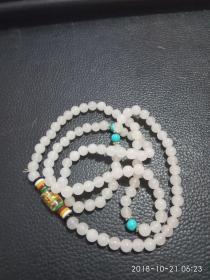 精美项链(可做手链),配珠精美,精致圆润匀称珠子,洁白如玉。如图,不知道什么材质的