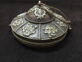 佛教用具--全手工雕刻八宝花纹带佛像吉祥兽纹藏语开光老黄铜套盒碰铃铜锵铜磬铜锣铜铃