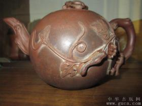清代松鼠葡萄紫砂壶