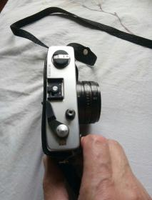海欧牌照相机。