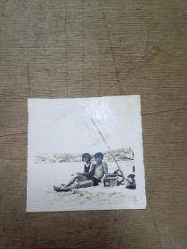 早期恋人沙滩照
